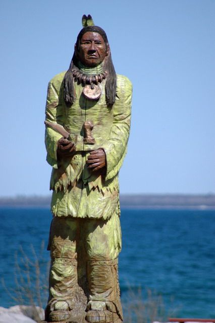 Wood Carving Of A Native American In Mackinaw City Michigan Mackinaw Vintage Michigan Mackinaw City