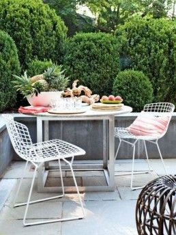 Love The Varying Heights Of The Box Wood Shrubs Outdoor Patio Decor Patio Decor Patio Dining