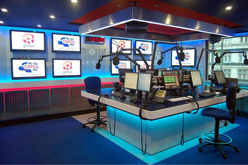 Radio Presenters Studio Jpg 800 532 Pixels Radio Design Studio Room Home Studio Music