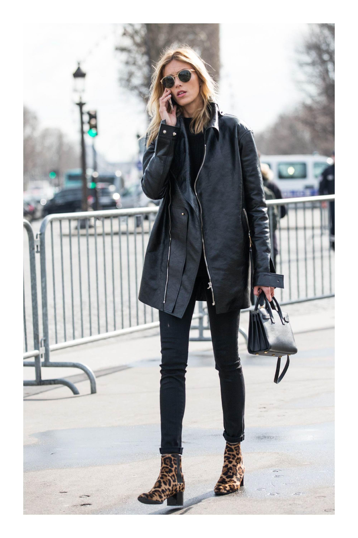 180e2aaa2c Tipos de calzado que necesitas en tu armario para combinar cualquier outfit  #TiZKKAmoda #chaqueta #piel #negro #pantalón #botas #animalprint #lentes  #bolsa