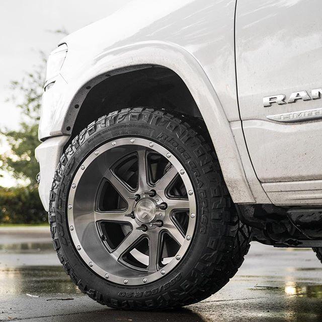10 20 Tires 285 Rim 50r20