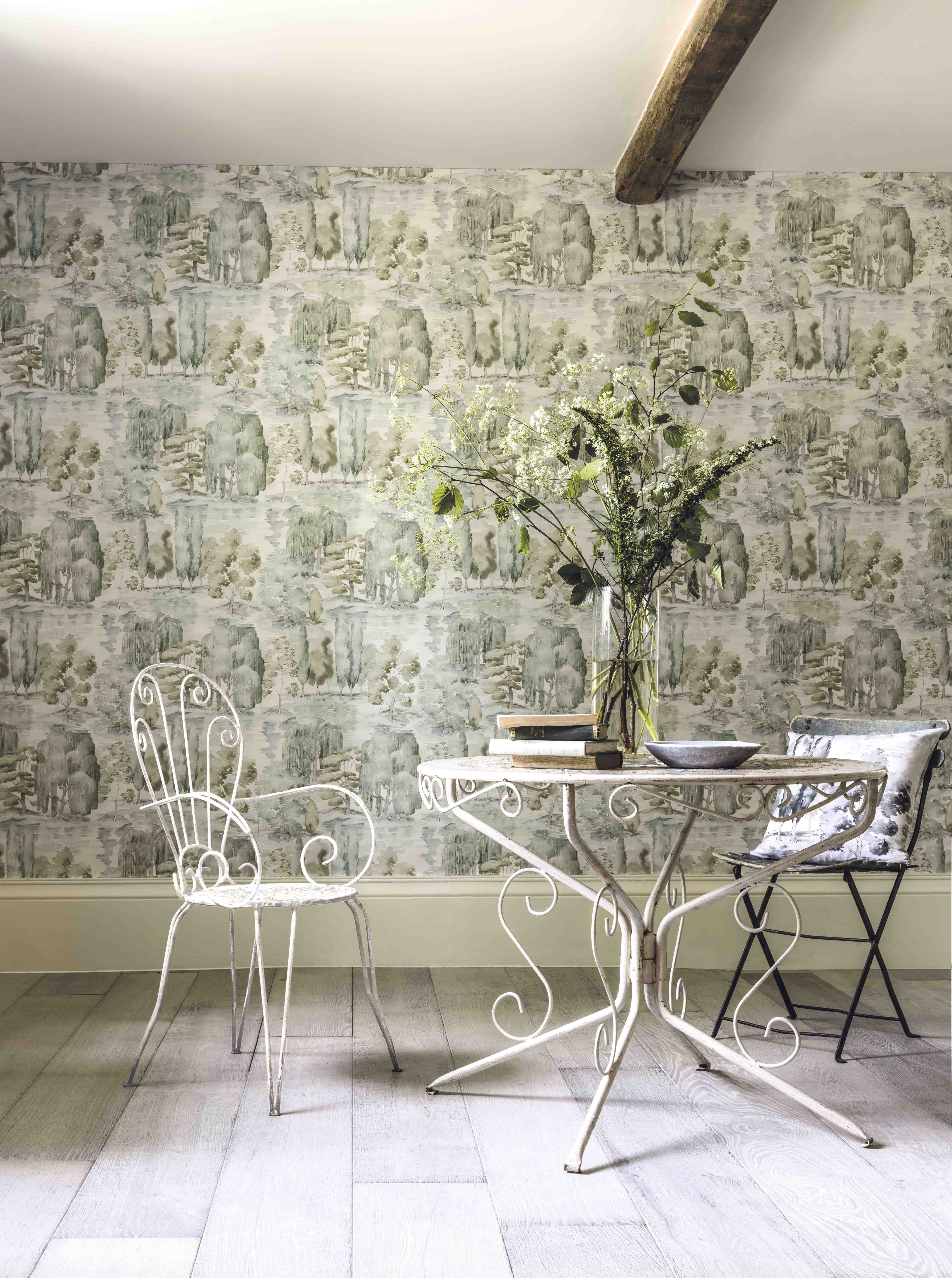This beautiful Waterperry wallpaper from Sanderson, featuring watercolour brush strokes representing an undulating landscape sits perfectly with the vinatge ...