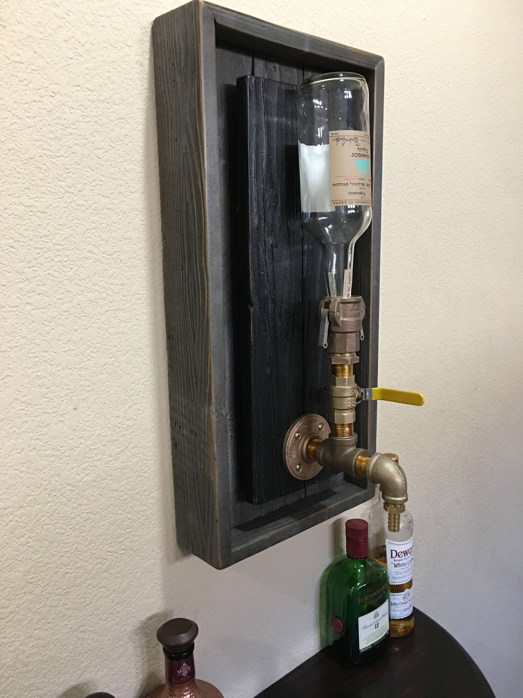 Brass Wall mount Liquor Dispenser | Mahagoni farbe, Schnapsflaschen ...
