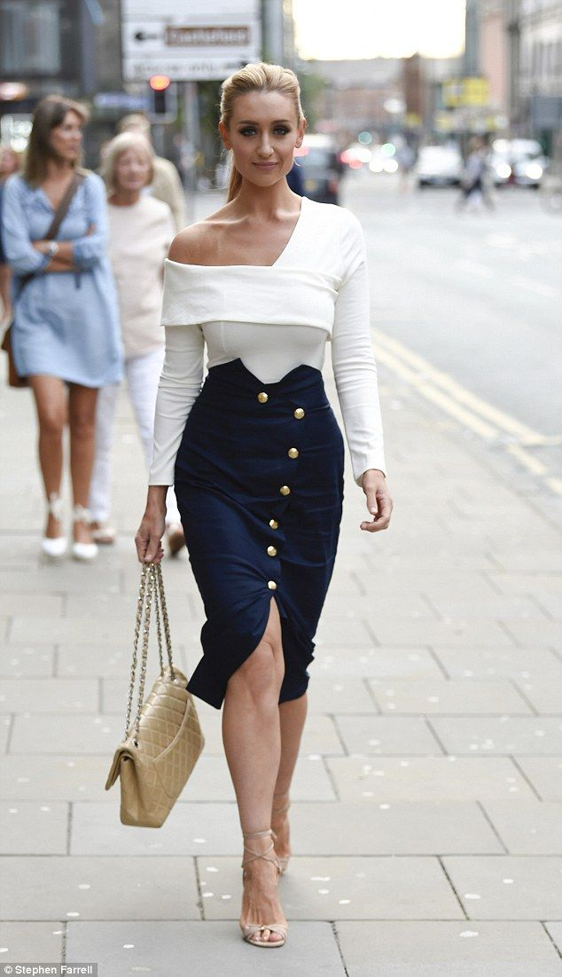 dcc9989b5 Stepping out in style: Catherine Tyldesley was enjoying some time off on  Thursday, dining with a gal pal at Impossible Bar and Restaurant in  Manchester