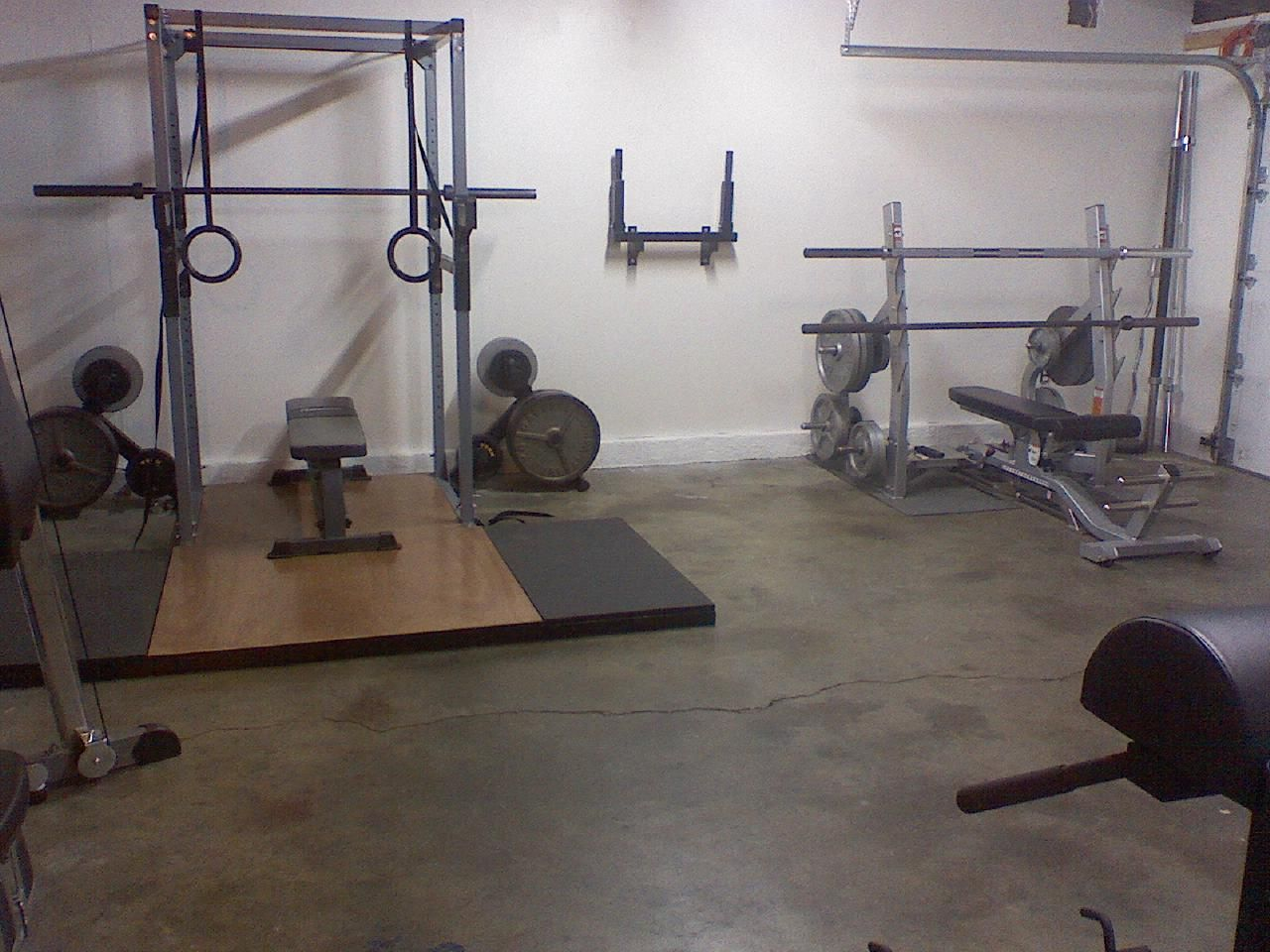 Weight racks and platform; dip station; GHD