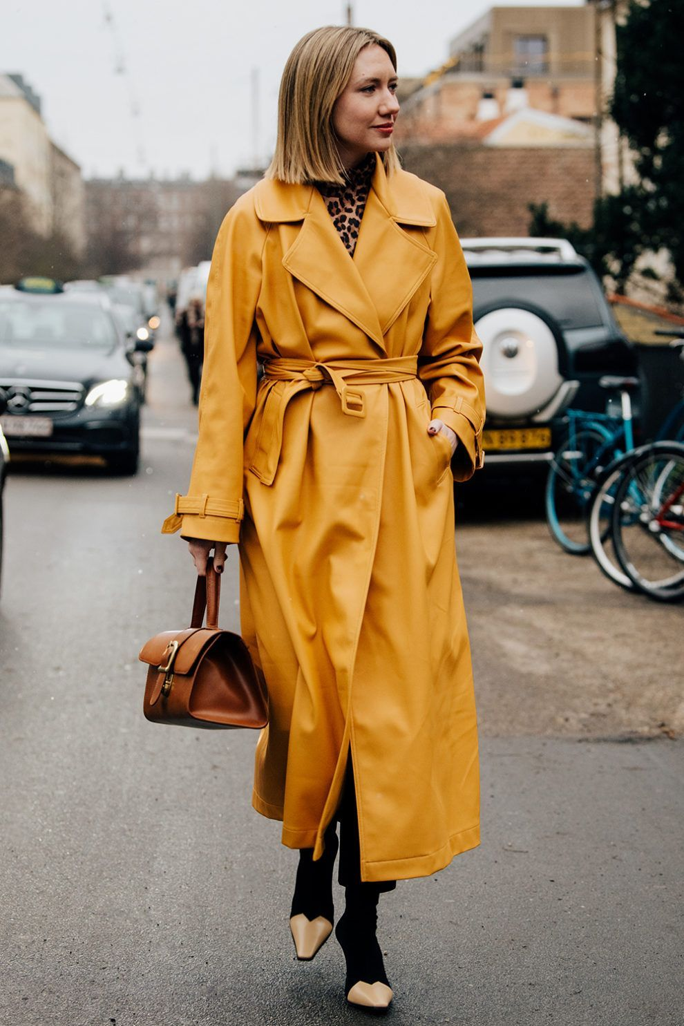 Yellow Eco Leather Trench Outfit - Copenhagen Fashion Week | Cool street fashion, Copenhagen fashion week, Street style trends