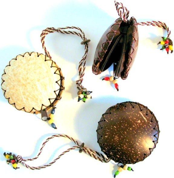 Natural Artist - Coconut Coin Purse, $12.00 (http://naturalartist.com/coconut-coin-purse/)