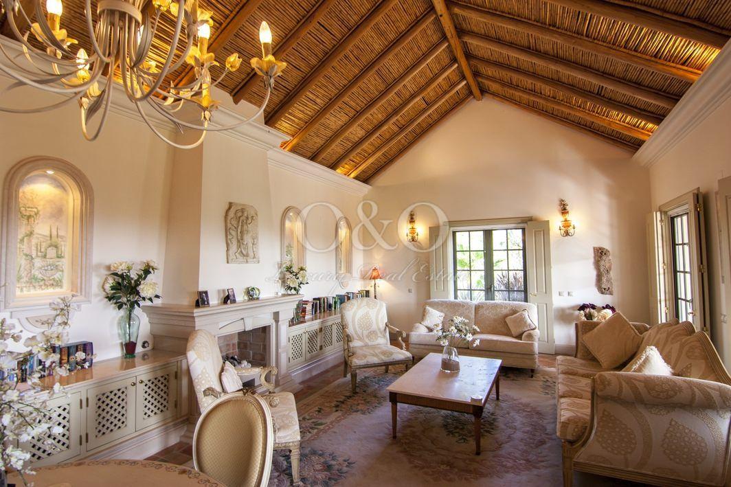 Charmante villa avec vue sur la mer, à proximité de la Ria formosa, du lac de Quinta do Lago et de la plage!