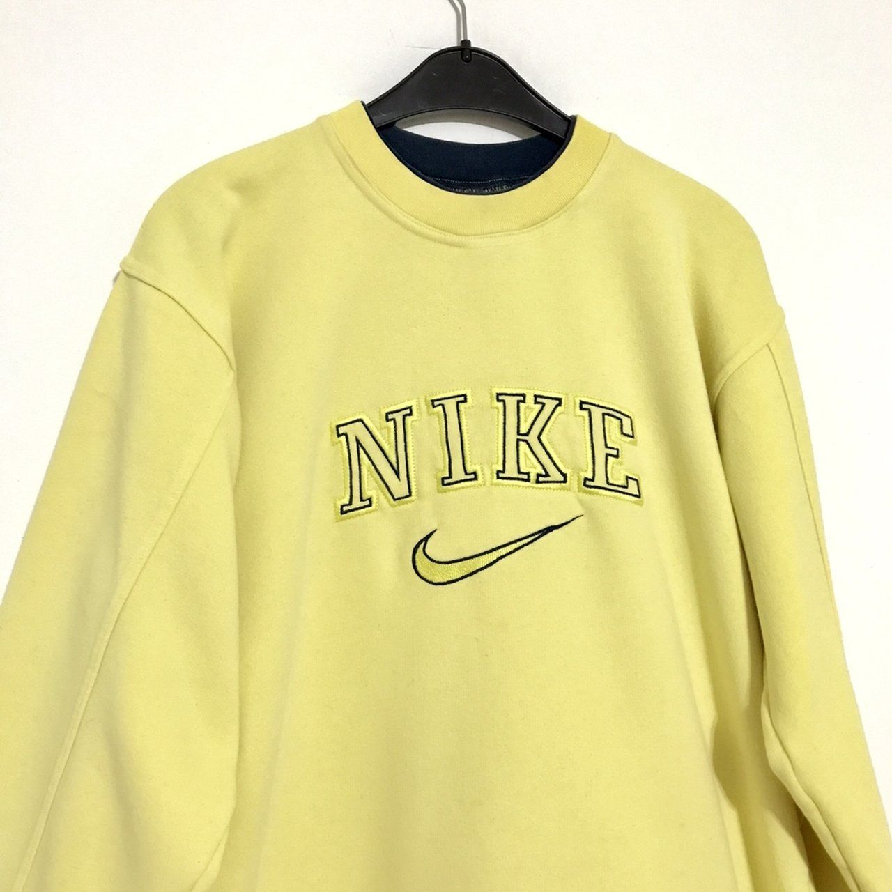 Vintage Nike Sweatshirt Size M Womens Good Condition To Depop Source By Ademir4v0 Nike Clot In 2020 Vintage Nike Sweatshirt Vintage Hoodies Vintage Sweatshirt