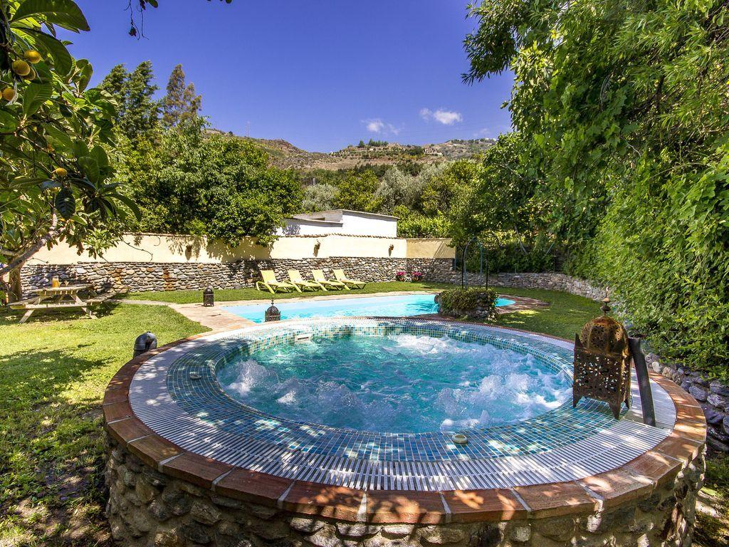 Bonita Casa Rural Para 10 Personas Con Piscina Y Jacuzzi Para Un
