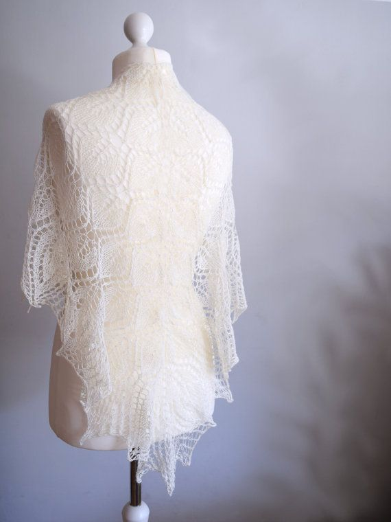 Off white bridal shawl. Triangle shawl by TinyOrchidsCrochet