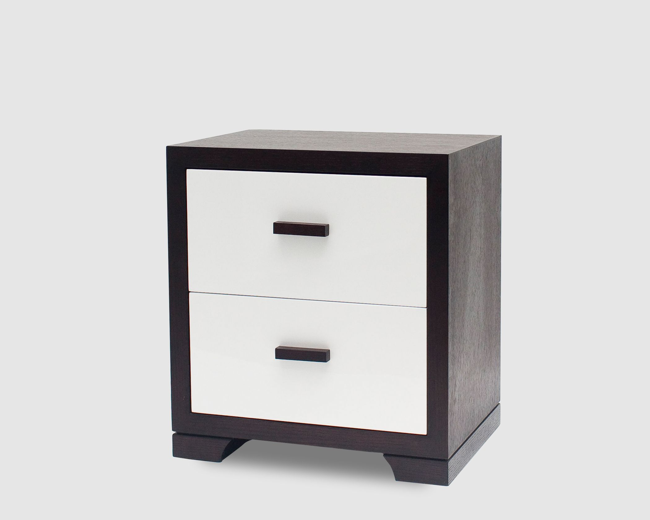 Dimensions: Width 600mm x Depth 400mm x Height 550mm Available color: Wenge Material: Wenge oak main body and white high gloss drawer front with wood handles Condition: New, produced to UK standard and well packed. Suitability: domestic and light commercial use only