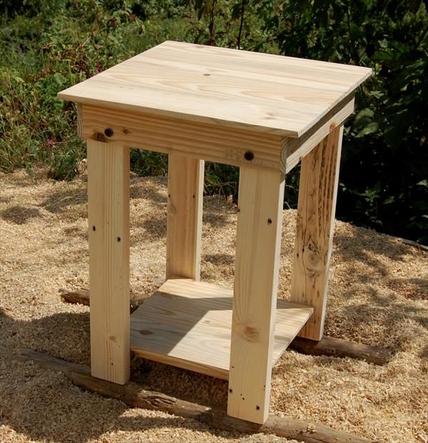 Pallet Side Table / End Table / Nightstand | Pallet Furniture DIY