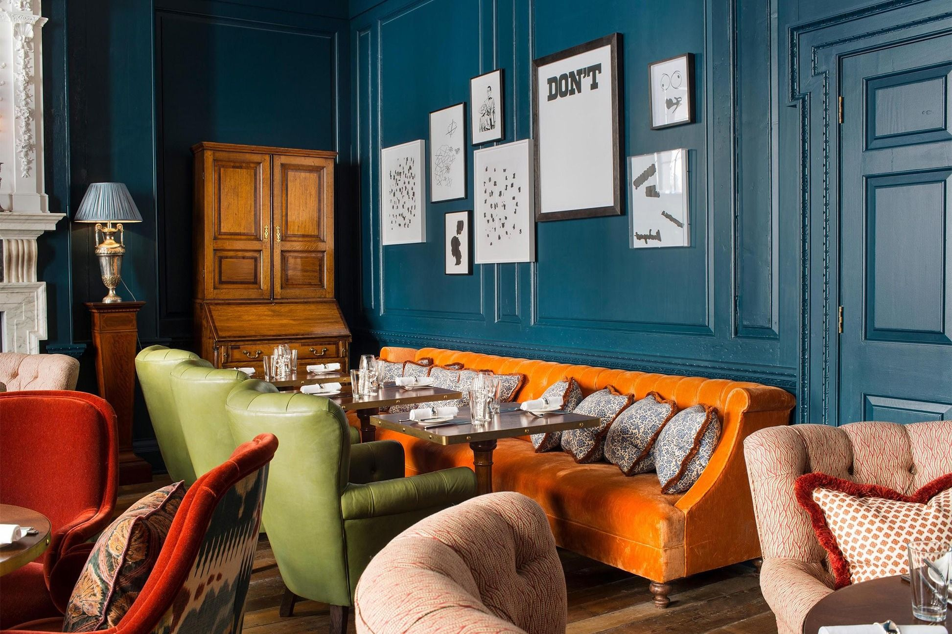 Soho House S British Design Style Is The Cozy Look We All Need Right Now British Decor Soho House Decor