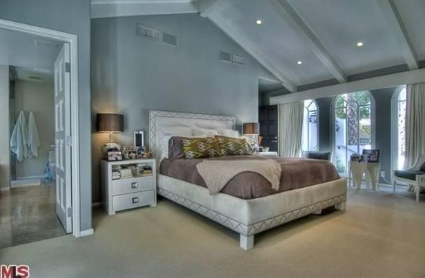 love this bedroom - the colors, great windows