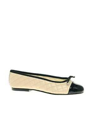 French Sole Simple Classic Quilted Ballet Flats