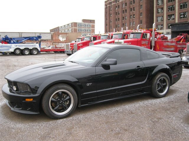 2005 ford mustang gt but mine was gorgeous red with red on black interior - Ford Mustang Gt Black
