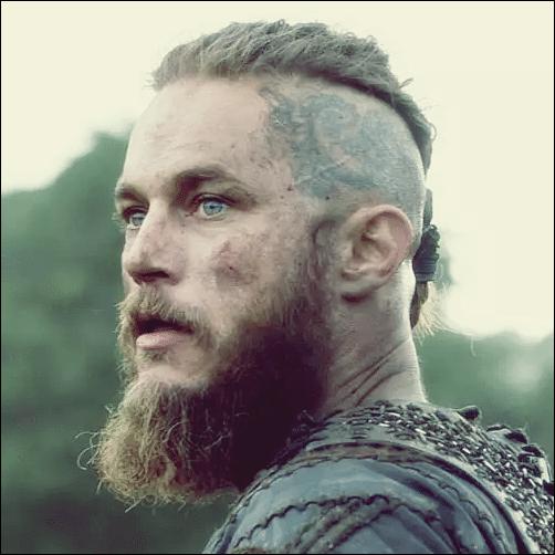 Fans Von Wikinger Versuchen Sie Die Ragnar Lothbrok Frisur Wikinger Frisuren Lange Haare Manner Frisuren Langhaar