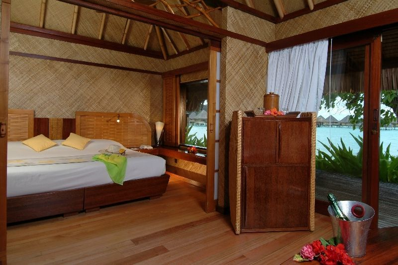 Intercontinental Bora Resort Le Moana Tahiti Luxury Hotel Vacation From Clic Vacations