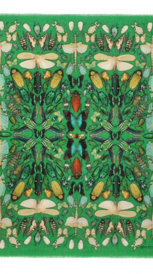 Damien Hirst & Alexander McQueen Collaboration - Alexander McQueen #natureza #insetos #espelhamento