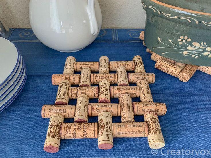 Machen Sie einen Upcycled Weinkorken Untersetzer #uglysweaterideas