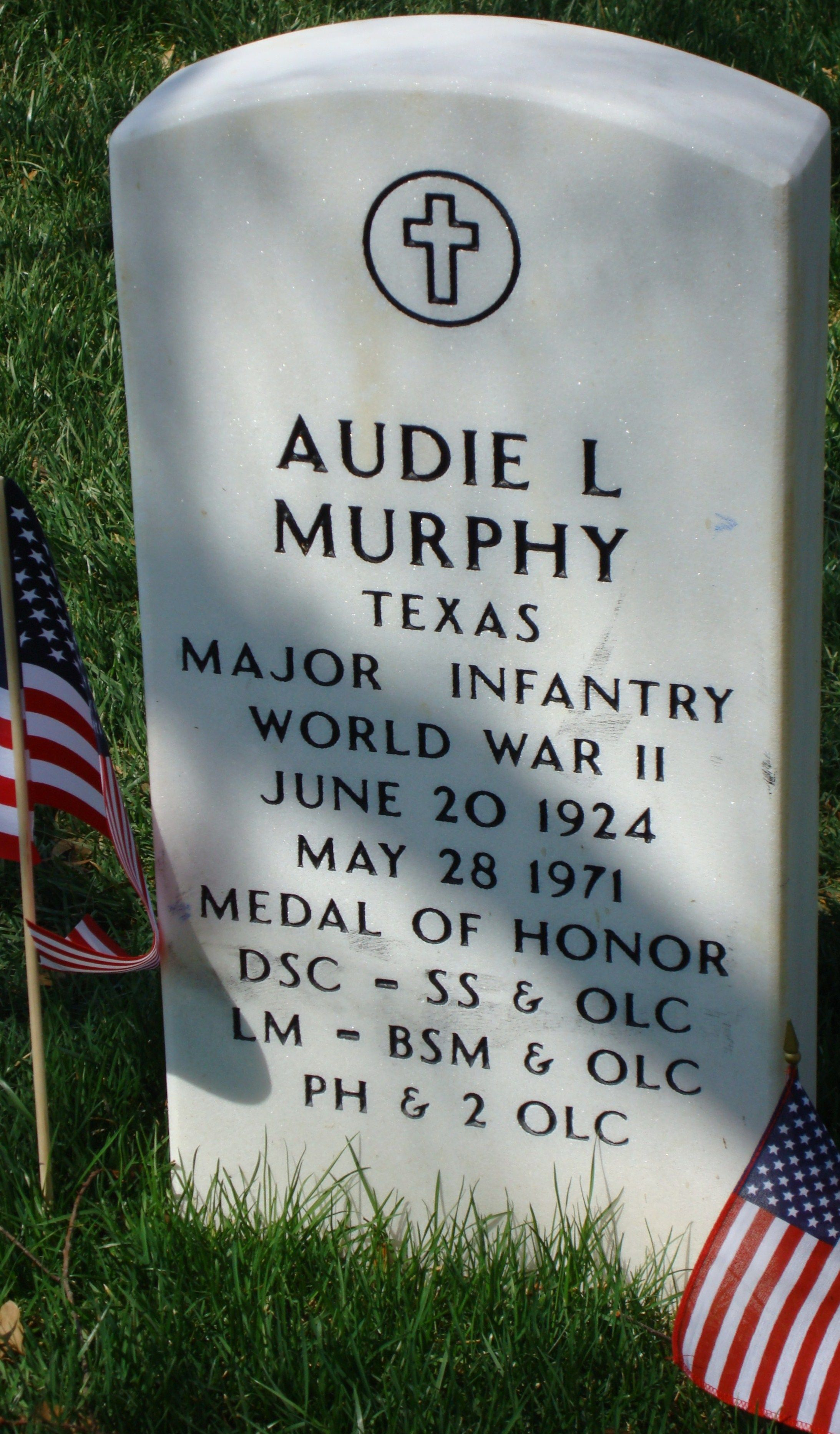 audie l murphy s headstone section 46 number 46 366 11 located