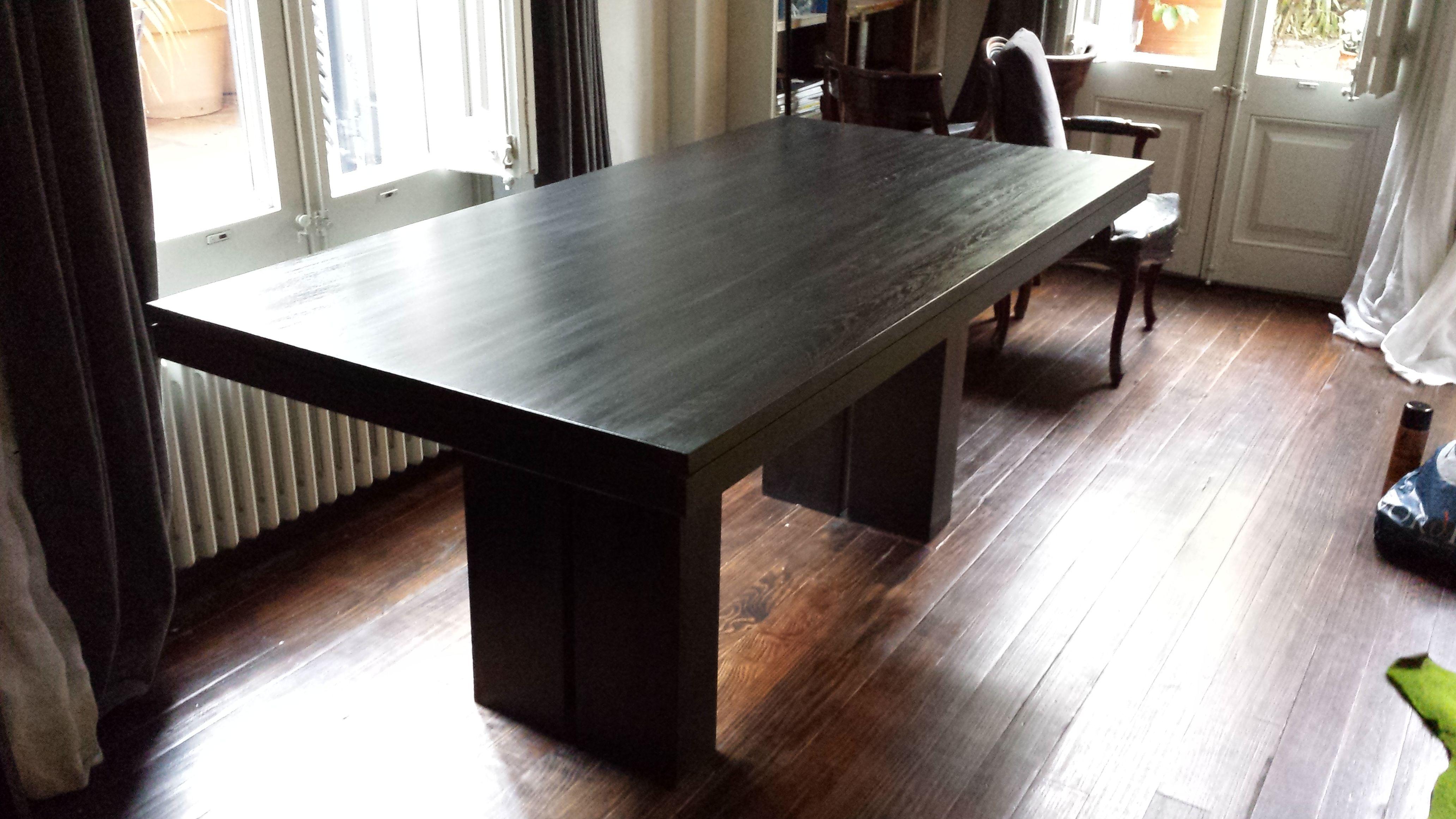 Mesa rectangular de madera y dise o minimalista acabada en for Muebles minimalistas
