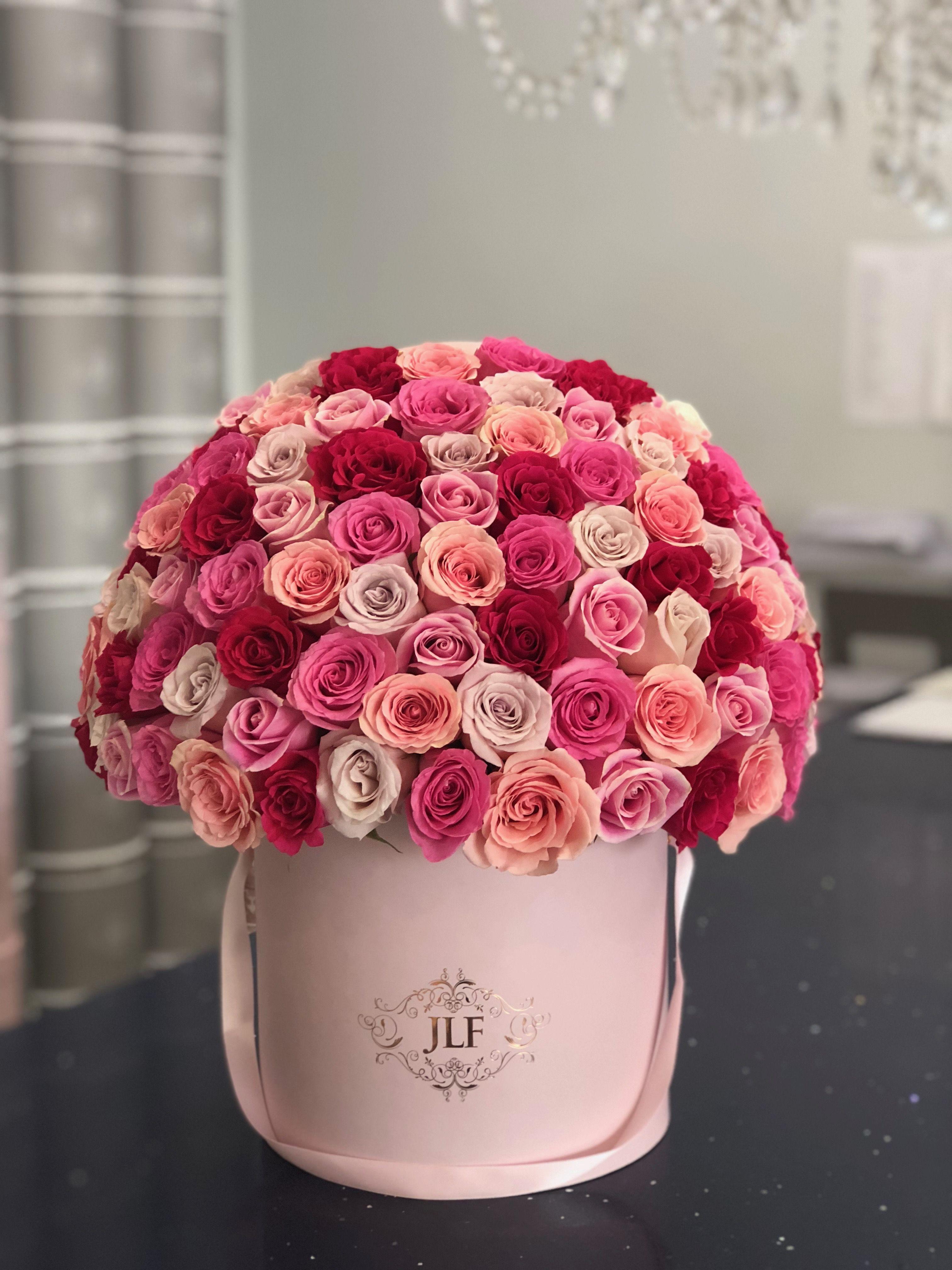 Signature 75 Multicolor Rose Box Jlf Los Angeles Valentine S Day Flower Arrangements Rose Bouquet Valentines Pink Rose Bouquet