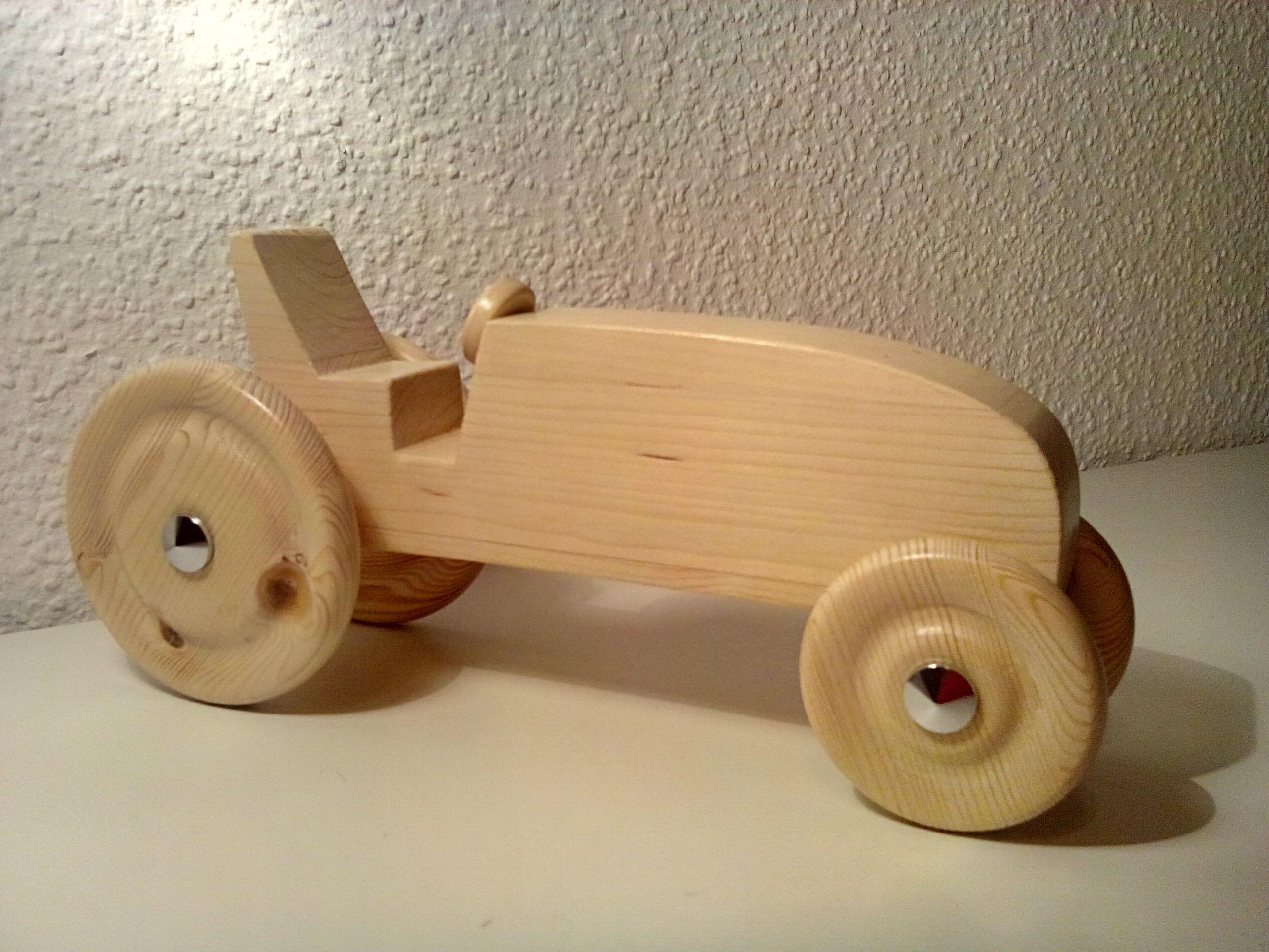 mein erster traktor aus holz bauanleitung zum selber bauen holzspielwaren pinterest. Black Bedroom Furniture Sets. Home Design Ideas