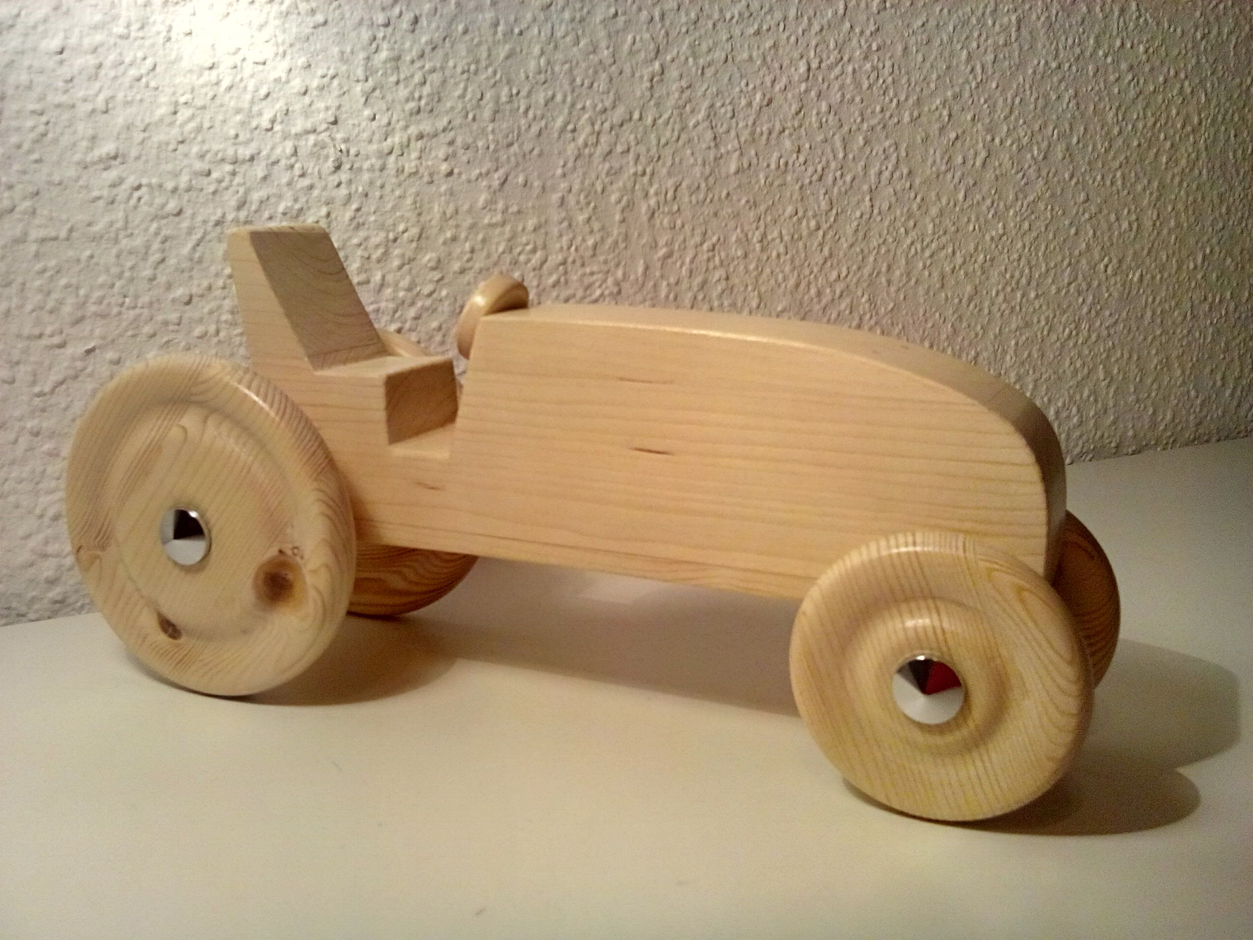 mein erster traktor aus holz bauanleitung zum selber bauen holzspielwaren pinterest banks. Black Bedroom Furniture Sets. Home Design Ideas
