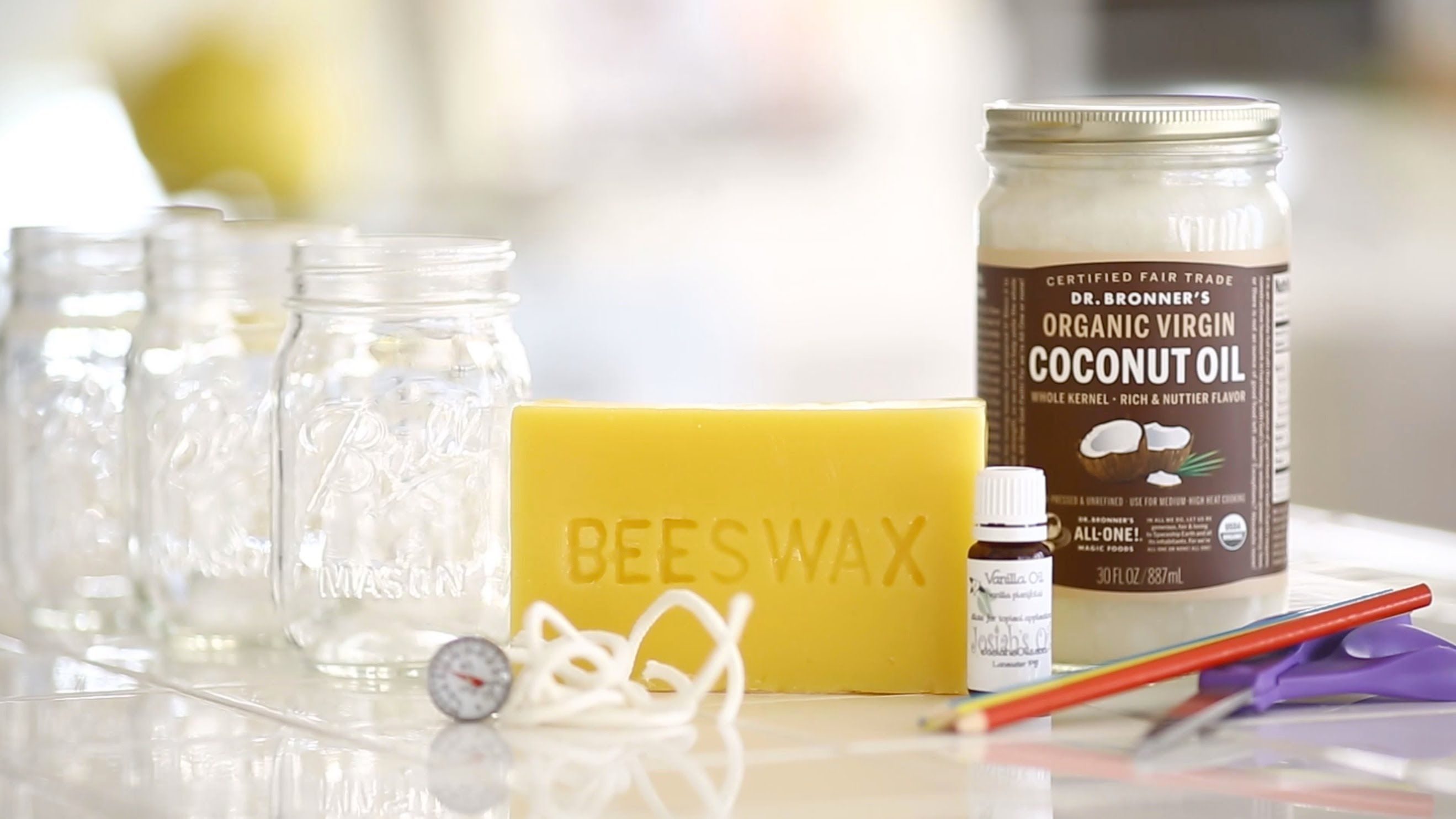 How to make bees wax & coconut oil candles Beeswax