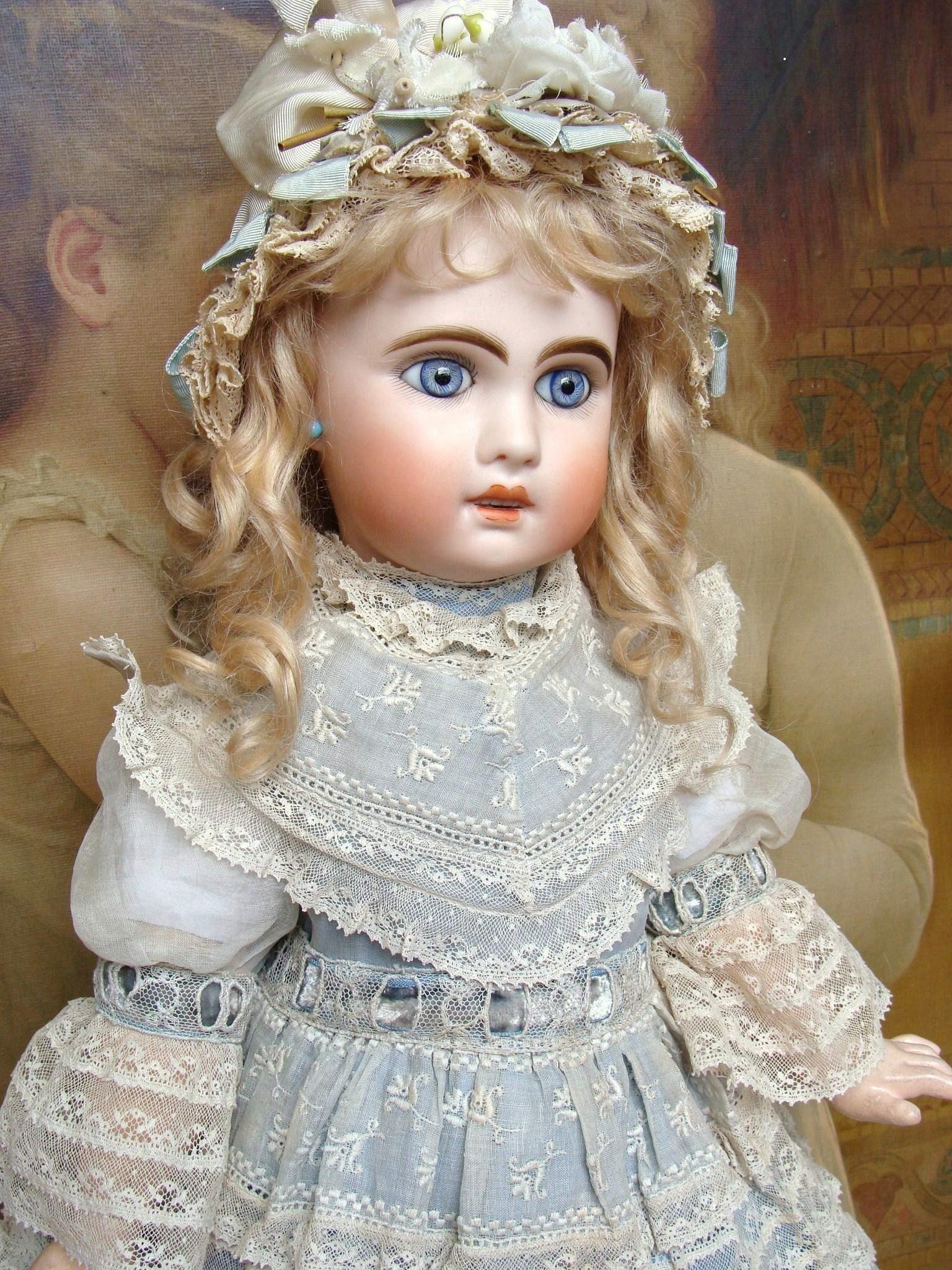 Very nice antique Jumeau Bebe nicely dressed.