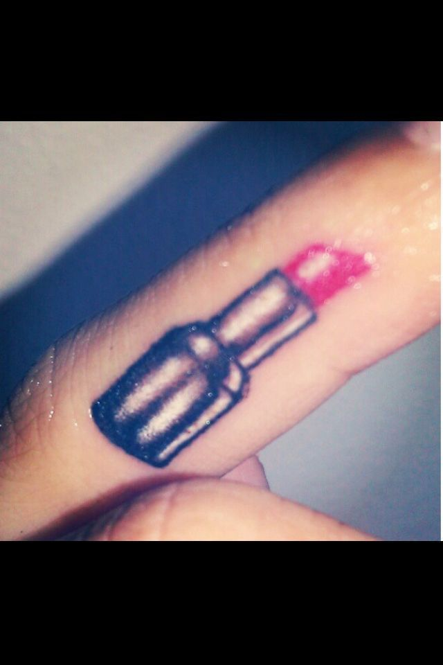 Photo of Lipstick tattoo; If the actual lipstick part is stronger … – Lips …
