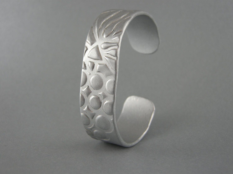Bracelet Aluminum Handmade Ooak Hammered Texture 2 Mm Thick 11 Gauge 18mm 11 16 Inch Wide Cuff Aluminum Cuff Bracelet Wide Cuff Bracelets Wide Cuff