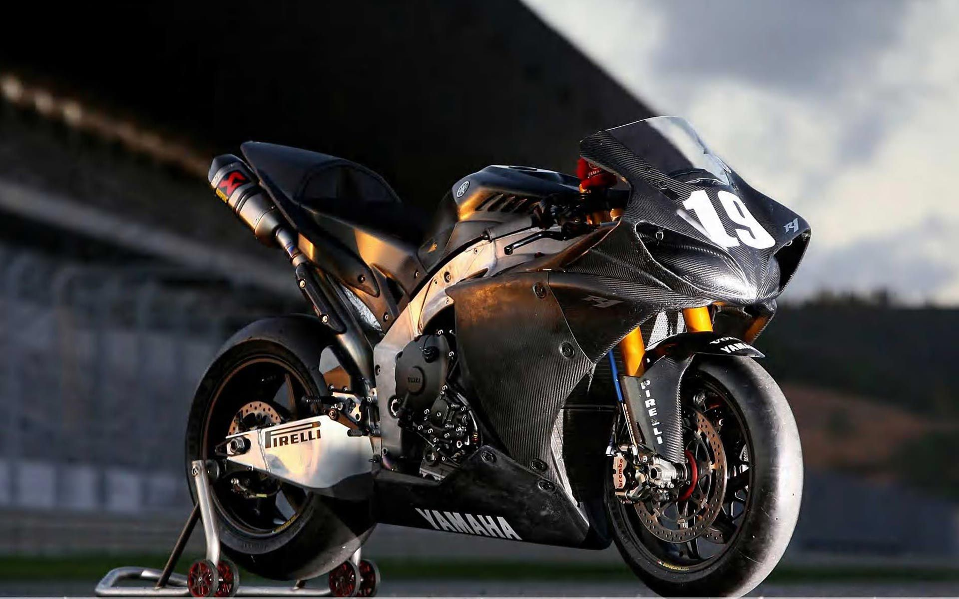 Wallpaper Yamaha Fz 10 Sportbikes 2017 Bikes Yamaha Hd: Yamaha YZF R1 Pirelli Hd Wallpaper