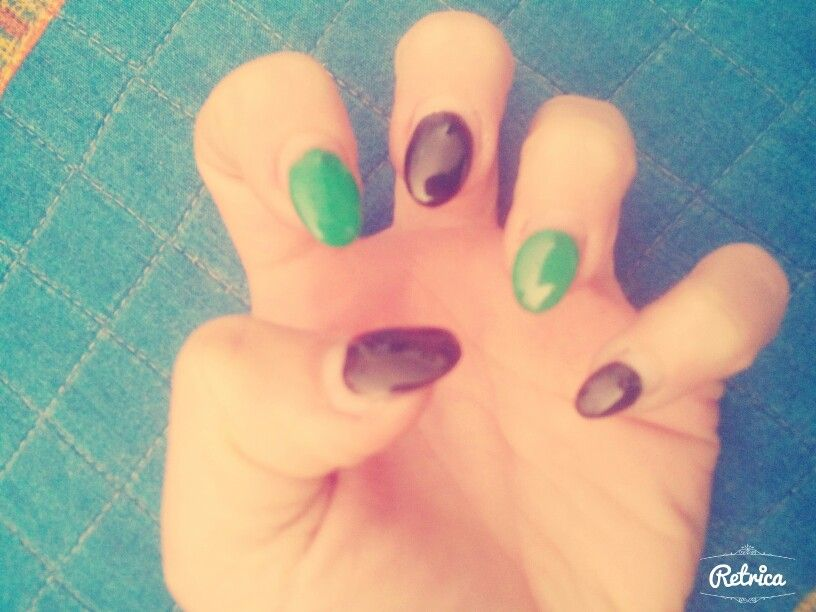 Nero e verdi ovali