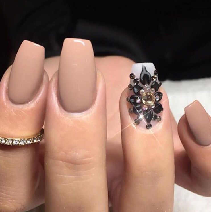 Matte Cream Nails With Black Crystal Design Unha Pinterest