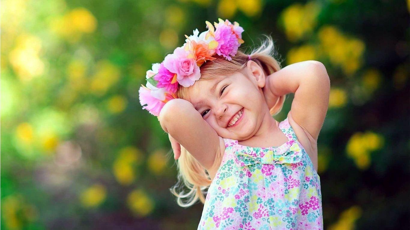 Cute Girl With Flowers Wreath Hd Wallpaper Hd Wallpapers Quality Hd Desktop Wallpapers Cute Small Girl Baby Girl Wallpaper Baby Wallpaper