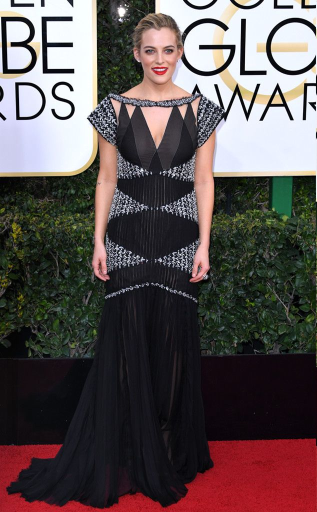 Riley Keough at the Golden Globe Award 2017 in Chanel | Golden globes ...