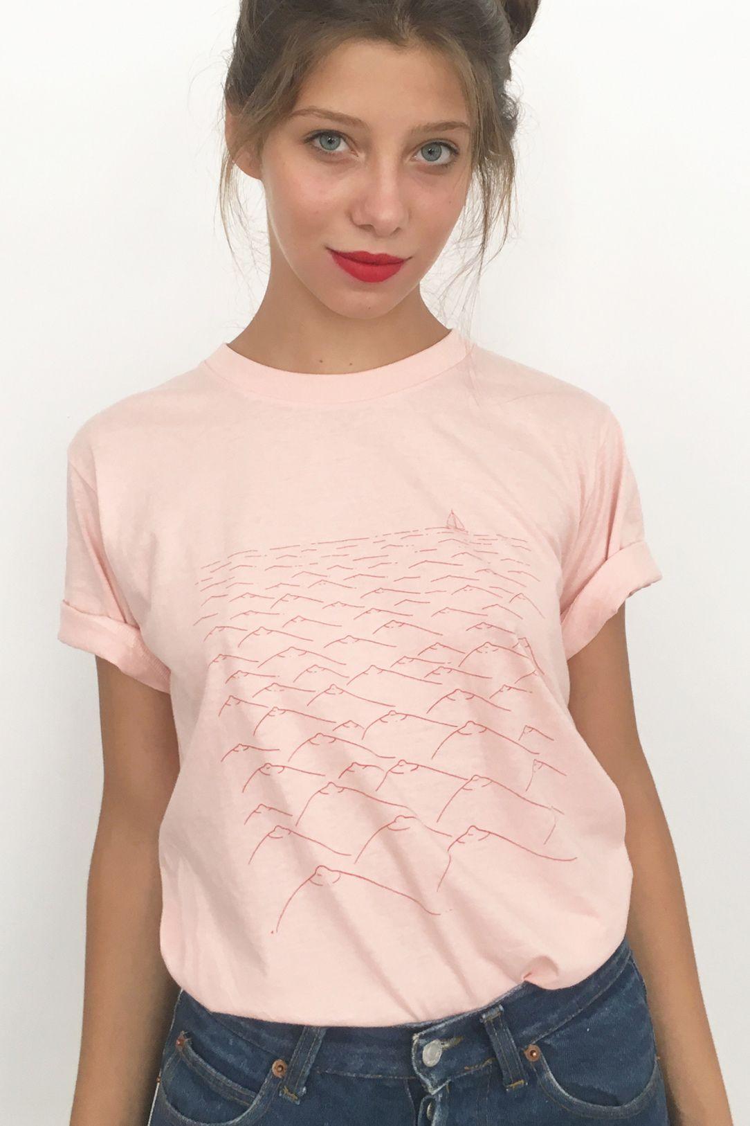 Camiteta Mar de tetas rosa / Sea Tits pink t-shirt | Pinterest ...