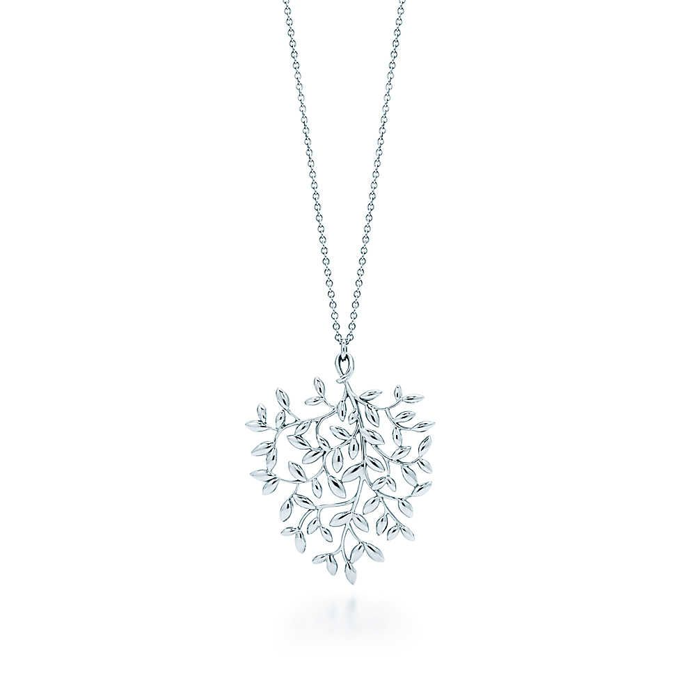 c924ad348 Tiffany & Co. - Paloma Picasso® Olive Leaf pendant in sterling silver,  large.