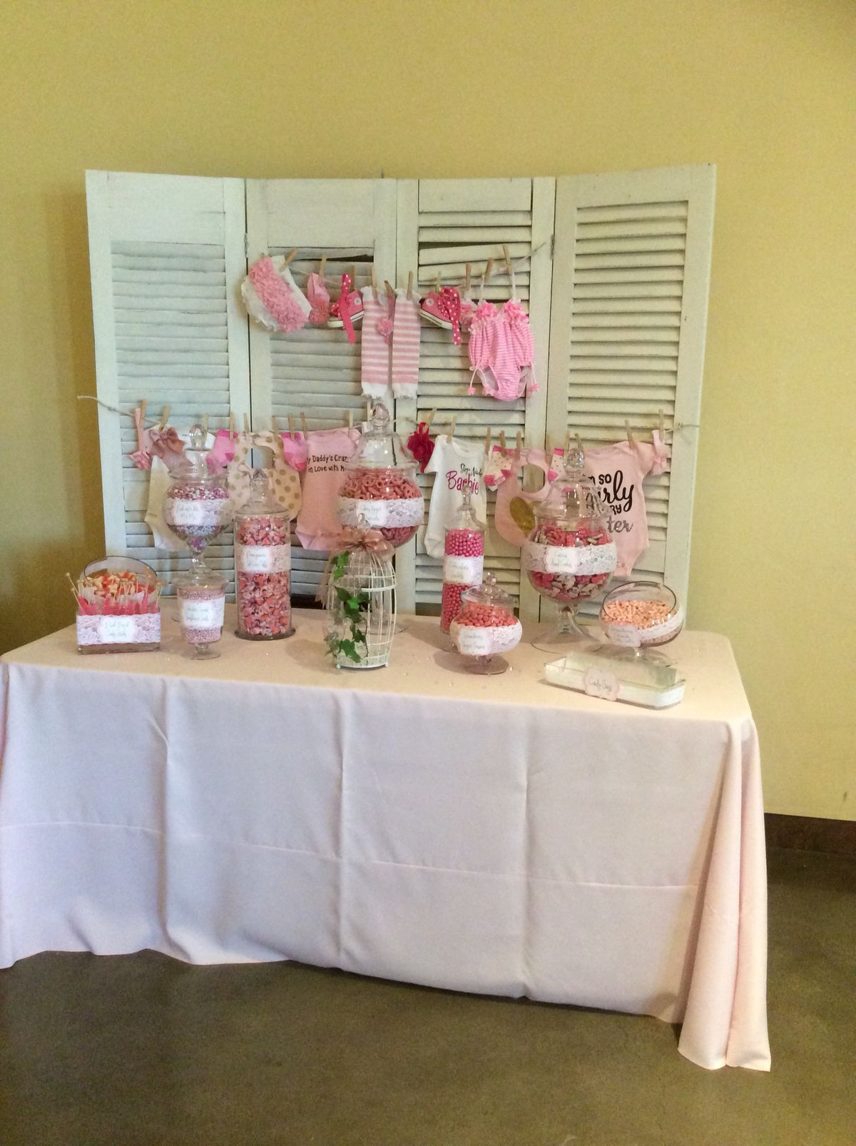 DIY baby shower backdrop and candy bar