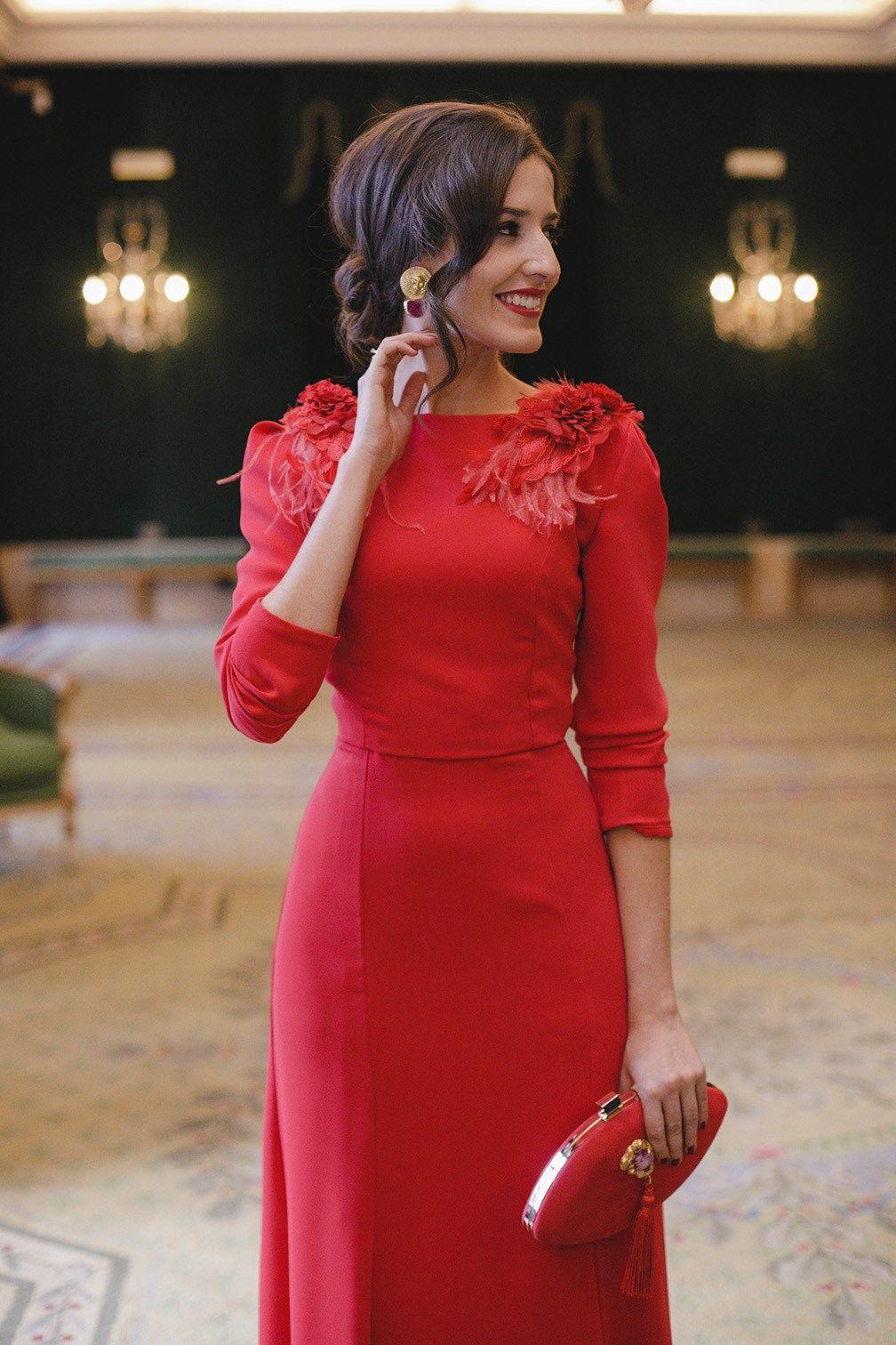 ac24349ec Look invitada boda noche vestido rojo largo espalda Vestidos Rojos Elegantes