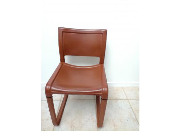 Ensemble de quatre chaises vintage en cuir piqûre à cheval   – Products