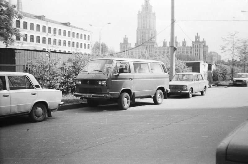 Foreign cars on Russian streets in 1980s