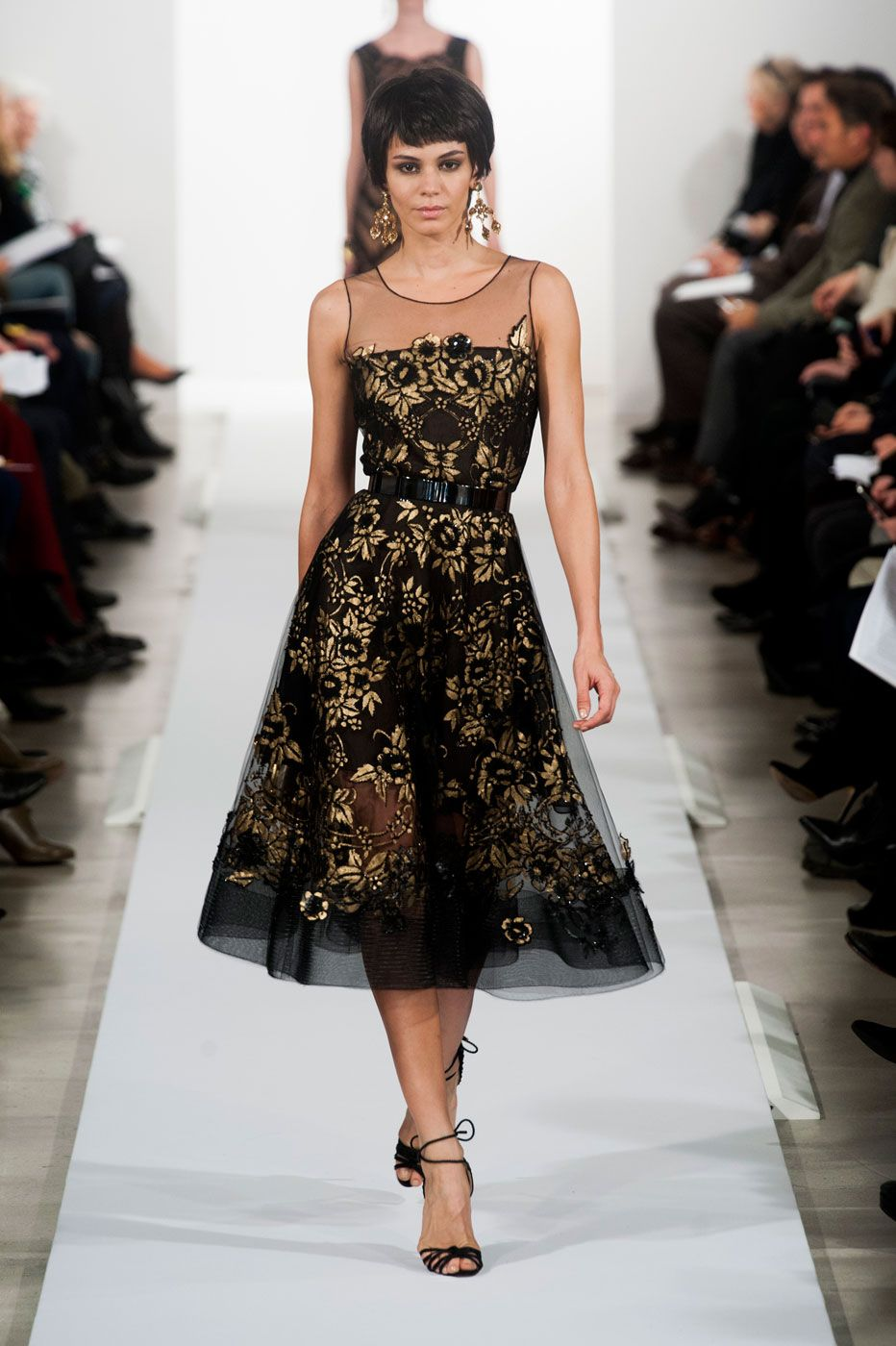 Oscar de la Renta Brings Old Hollywood Glamour: All theLooks