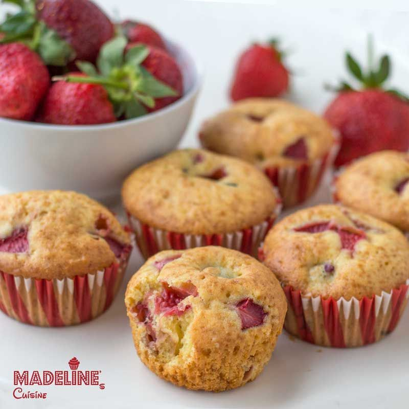 Briose cu capsuni / Strawberry muffins