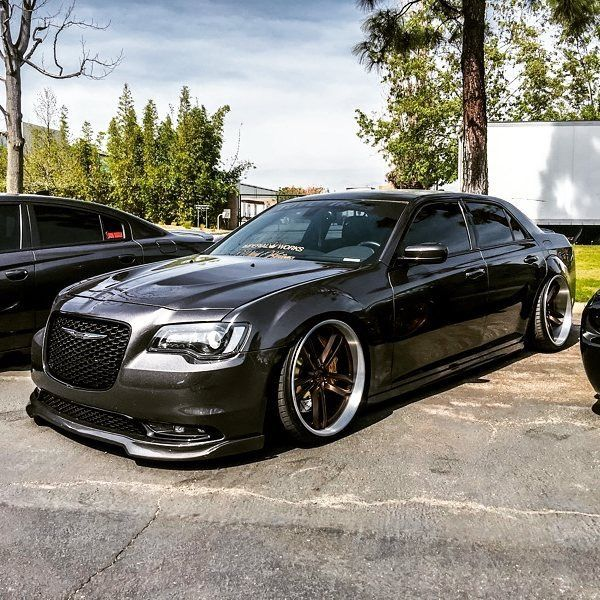 #Chrysler_300c #Accuair #AirSuspension #Bagged #Slammed