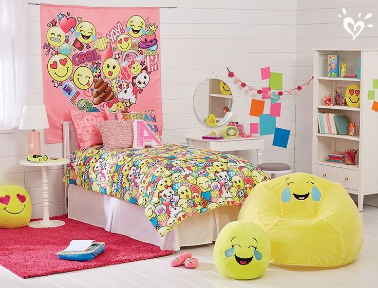 Wake up on the bright side with emoji everything - Things for girls room ...