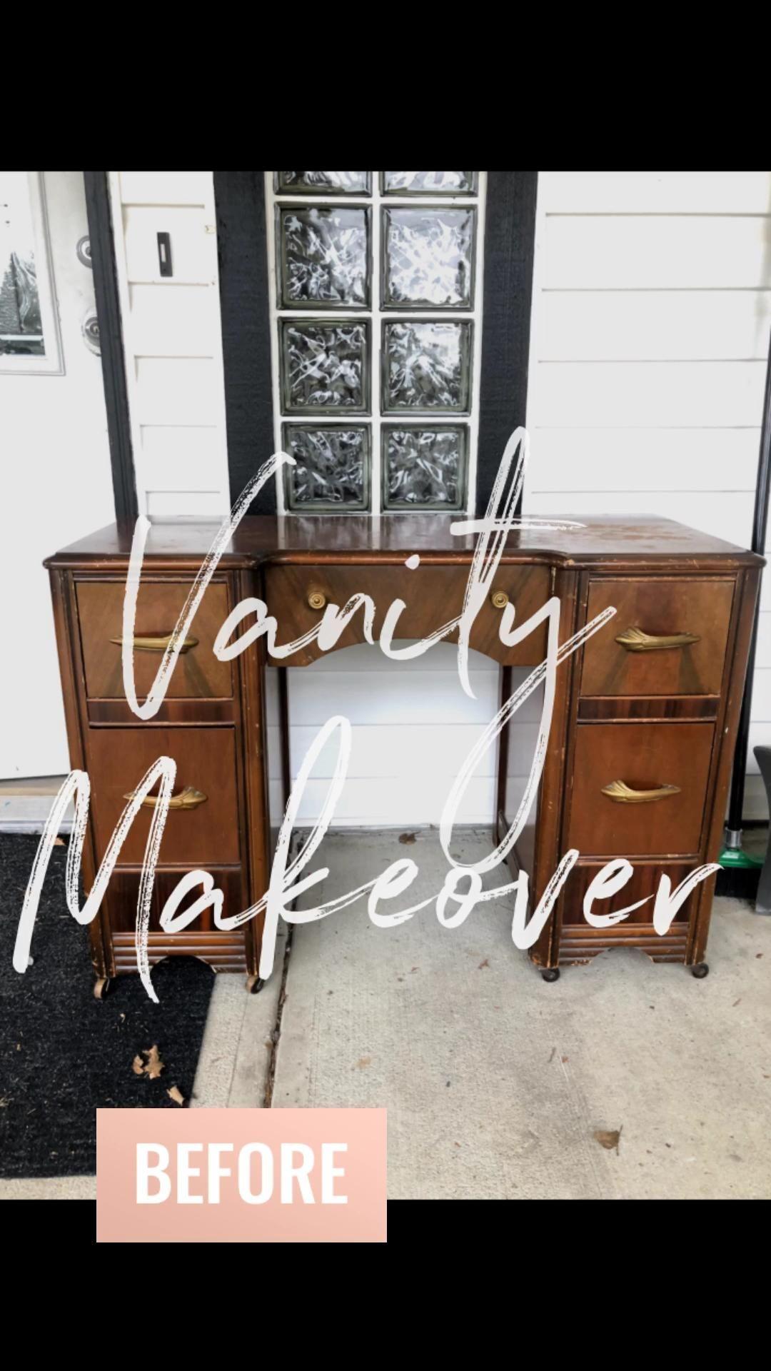 This vanity needed a new facelift! Amazinly built. #vanitymakeover #furnitureflip #furniturediy #diydesign #desinger #painter #chalkpaint #diylife #furniturerefinished